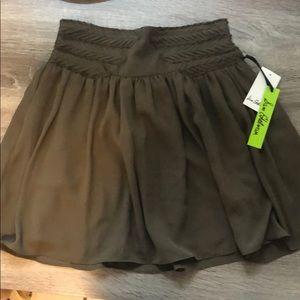 Sam Edelman olive skirt, never worn